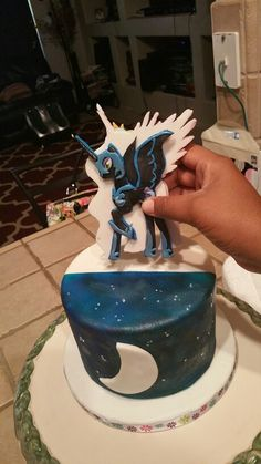 Nightmare moon cake. My little pony cake.