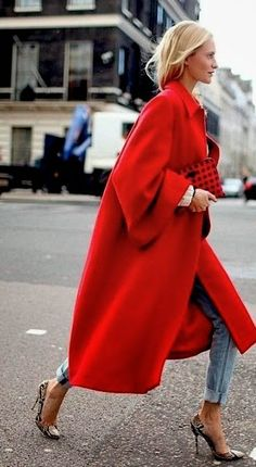 Stupendo questo maxi cappotto rosso! #Musthave per sconfiggere il freddo dell'