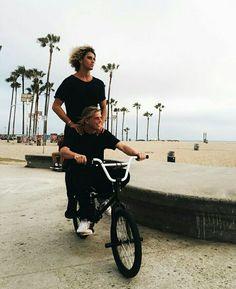 How we roll Jay Alvarrez, Surfer Guys, Bae, Skater Boys, Summer Feeling, Hot Boys, Pretty Boys, Cute Guys, Role Models