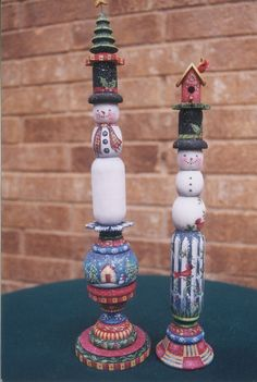 Painting Folk Art Pieces with patterns that anyone can paint. These folk art patterns are by Rosemary West. Christmas Wood Crafts, Primitive Christmas, Christmas Projects, Christmas Candles, Christmas Decorations, Christmas Snowman, Christmas Ideas, Arte Country, Pintura Country