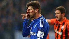 Nach dem bitteren 0:3 gegen Donezk ist Schalke raus! Klaas-Jan-Huntelaar kann es nicht fassen - lol,didnt know that #soccer today+just read #Schalke lost 0:3+out;D http://www.bild.de/sport/fussball/europa-league/scheidet-aus-44704530.bild.html ToldU:NicerWon,MyPalsFrom #Ukraine NicerIndeed;D