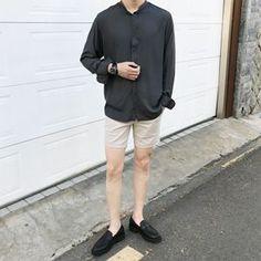Heal Korean Fashion Summer, Korean Fashion Men, Korean Men, Mens Fashion, Korean Casual Outfits, Trendy Outfits, Blue Jeans Outfit Men, Korean Shirts, Asian Street Style