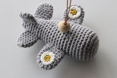 Knitting For Kids, Crochet For Kids, Easy Crochet Patterns, Baby Patterns, Crochet Books, Knit Crochet, Crochet Baby Mobiles, Baby Barn, Newborn Crochet