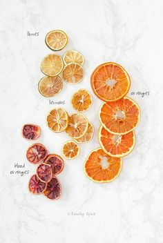 No fancy dehydrator is needed to make your own oven dried lemon slices at home. This technique works for oranges, limes and other citrus fruits, too! Dried Orange Slices, Dried Oranges, Oranges And Lemons, Dried Fruit, Natural Christmas, Colorful Christmas Tree, Homemade Christmas, Baked Plantain Chips, Dried Peppers