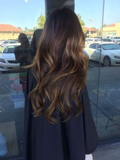 Hair Color Ideas For Brunettes Balayage Haircolor Sun Kissed 47 Super Ideas Haarfarbe Ideen fü Hair Color Balayage, Hair Highlights, Ombre Hair, Bayalage, Brown Balayage, Honey Balayage, Caramel Highlights, Balayage On Dark Hair, Balayage Brunette Long