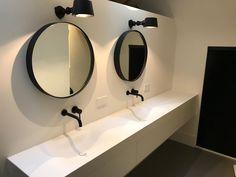 Tiz Design - Solid Surface, Hi-Macs en Corian Wastafels en Badmeubels. Bathroom Inspo, Bathroom Inspiration, Lavabo Corian, Corian Solid Surface, Home And Deco, Bathroom Interior Design, Bathroom Furniture, Decoration, Furniture Design