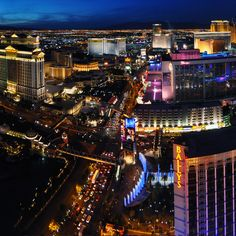 Best food at Vegas hotels and casinos Las Vegas Resorts, Las Vegas Vacation, Vegas Fun, Vegas Casino, Las Vegas Nevada, Vacation Spots, Best Hotels In Vegas, Places To Travel, Places To Go