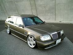 Damn sharp Mercedes E320 wagon with stance
