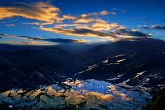 Dusk at Yuanyang rice terraces by William Yu Photo Workshops