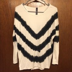Open back top.XS (runs big, will fit up to medium) 3,$4,$5 ITEMS MUST BE BUNDLED😊Prices in this Closet are LOW AND FIRM. No bargaining needed😉 Makes it so much easier to just offer low low prices from the start 😊ASK ALL THE QUESTIONS YOU WANT BEFORE PURCHASING. 😘. TRADE VALUE IS $5.00 HIGHER THAN LISTED SALE PRICE!!😜 I NOW WORK 2 JOBS AND DO POSH AS MUCH AS I CAN. I BOX UP ALL ORDERS FOR THE WEEK ON SUNDAYS AND ALL BOXES ARE SHIPPED ON MONDAY MORNINGS. 💞💞 Design Lab Tops