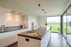 Strakke keuken met veel bergruimte