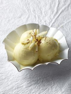 Chardonnay Ice Cream with Smoked Sea Salt recipe from Food Network Kitchen via Food Network No Salt Recipes, Wine Recipes, Food Network Recipes, Vitamix Recipes, Sweet Recipes, Roasted Apples, Braised Chicken, Pudding, Frozen Treats