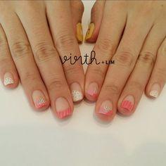 春はすぐそこっ。。∵ ピンクにポイントで黒がわたしのおすすめです。! #しのぴー #シノザキ #virth #lim #nail #ネイル #ショートネイル #네일 #네일아트