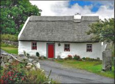 Gaeilge Anois - learner's notes Old Cottage, Cottage Homes, Irish Language, Ireland, Cabin, Cottages, House Styles, Image, Houses