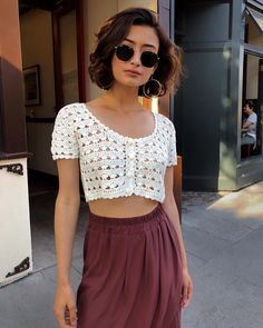 Crochet Top Outfit, Crochet Crop Top, Crochet Clothes, Diy Clothes, Crochet Bikini, Mode Crochet, Knit Crochet, Pinterest Mode, Look Fashion