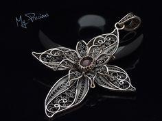 My Precious - Fine silver filigree pendant with Garnet