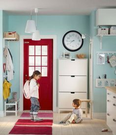 I will have a red door in my house someday:)