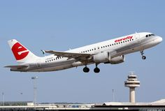 Airbus A320-214, Eurofly, I-EEZE, cn 1937, 180 passengers, first flight 20.1.2003, Eurofly delivered 14.3.2003. Foto: Palma de Mallorca, Spain, 19.6.2011.