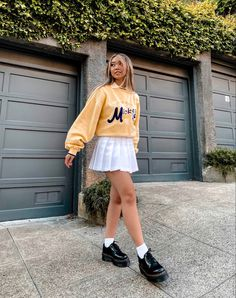 Indie Outfits, Grunge Outfits, Indie Fashion, Skirt Outfits, Graphic Sweatshirt, Vintage, Instagram, Sweatshirts, Skirts