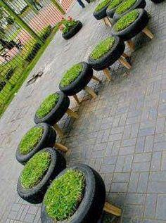 Eski Araba Lastiklerini Ev ve Bahçe İçin Yeniden Değerlendirme Do you have old tires on the side? If so, look at these ideas and rethink old tires for your interior and exterior décor. Dream Garden, Home And Garden, Garden Kids, Smart Garden, Easy Garden, Reuse Old Tires, Recycled Tires, Reuse Recycle, Reduce Reuse