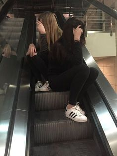 girl, friends, and grunge image - Bff Pictures Bff Goals, Friend Goals, Cute Friend Pictures, Friend Photos, Tumblr Photography, Photography Poses, Best Friend Fotos, Friend Tumblr, Foto Casual