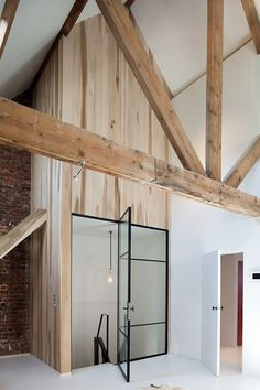 lovely space, with a small palette of materials