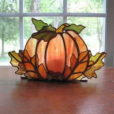Stained Glass Pumpkin by zelma – Glass Art Designs Stained Glass Christmas, Stained Glass Lamps, Stained Glass Designs, Stained Glass Panels, Stained Glass Projects, Stained Glass Patterns, Leaded Glass, Mosaic Glass, Fused Glass