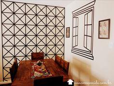 Casa com Comida: Quer decorar suas paredes? Que tal usar fita isolante? Vem ver no blog #postnovo uma ideia genial pra te inspirar #decor #fitaisolante http://casacomcomida.com.br/decorar-paredes-com-fita-isolante/