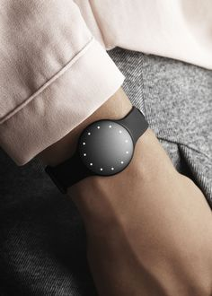 Meet the Misfit Shine™ - an elegant activity and sleep tracker that inspires you to live an active life.  Wear the Shine™ any way you like: on your wrist, on your shoe, clipped to your shirt, even as a necklace accessory. Waterproof to 50 meters so you don't have to worry about taking it off. The Shine™ uses a standard watch battery that lasts up to 6 months, which means you'll worry less about charging and more about staying active.