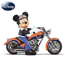 Disney Pittsburgh Steelers Headed For Victory Figurine. Mickey Mouse, Steelers, and a motorcycle! Bears Football, Nfl Bears, Cowboys Football, Chicago Bears, Packers Football, Packers Memes, Packers Funny, Packers Baby, Football Baby