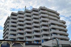 O experienta all inclusive pe litoralul romanesc: statiunea Mamaia - Best Western Hotel Savoy All Inclusive, School, Building, Gray, Buildings, Schools, Architectural Engineering