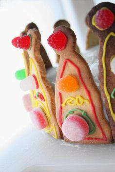 Tarta de corona para princesas hecha con galletas de mantequilla y chuches | DEF Deco - Decorar en familia