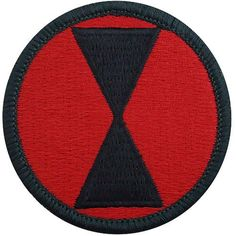 Infantry Division Class A Patch Military Units, Military Police, Military History, Army Service Uniform, Army Uniform, 7th Infantry Division, Us Army Patches, Combat Helmet, Medal Ribbon