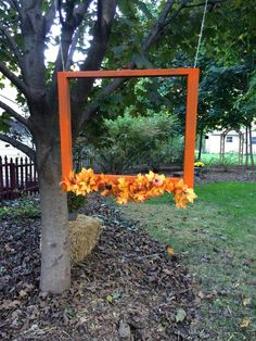 Make your own photo booth:) - Halloween - Dinner Recipes Fall Harvest Decorations, Fall Harvest Party, Fall Festival Decorations, Harvest Party Games, Fall Festival Party, Harvest Festival Games, Fall Festivals, Fall Festival Crafts, Halloween Festival