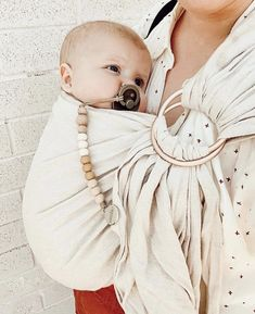 WildBird ring sling The sweetest babies Little Babies, Cute Babies, Little Presents, Baby Wraps, Everything Baby, Baby Family, Cute Baby Clothes, Mom And Baby, Baby Accessories