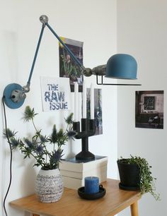 The good desk lamp - a prerequisite for quiet work in the evening Industrial Light Fixtures, Lamp, Simple Lamp, Bright Homes, Table Top Lamps, Modern Lamp Design, Best Desk Lamp, Modern Lamp, Industrial Lighting