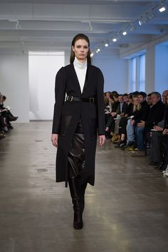 Calvin Klein Collection Pre-Fall 2013 – Vogue