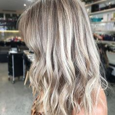 Ash Blonde Moment. Color by @hairby_nicole_benson #hair #hairenvy #hairstyles #haircolor #blonde #ashblonde #beigeblonde #highlights #newandnow #inspiration #maneinterest