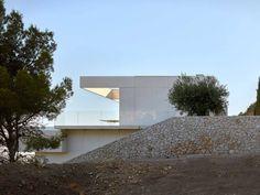 Quarry house by Ramón Esteve – casalibrary