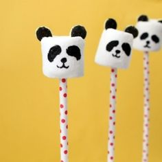 Panda bear marshmallow pops