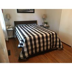 "Queen Size Quilt, Hand Quilted, Gingham Quilt, Black White, 89"" x 96... (€340) ❤ liked on Polyvore featuring home, bed & bath, bedding, quilts, gingham bedding, black white bedding, black and white bedding, rustic bedding and queen bedding"