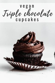 These vegan triple chocolate cupcakes are the BEST. They're easy to make and are… These vegan triple chocolate cupcakes are the BEST. They're easy to make and are topped off with a whipped chocolate frosting! Whipped Chocolate Frosting, Vegan Chocolate Cupcakes, Vegan Chocolate Icing, Vegan Frosting, Vegan Cupcake Recipes, Vegan Recipes, Gluten Free Vegan Cupcakes, Best Vegan Desserts, Healthy Cupcakes