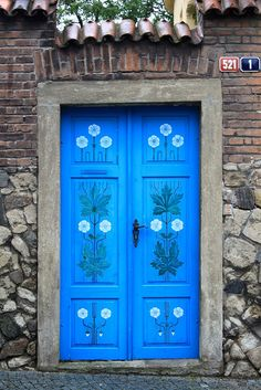 Love this folk pattern on this door in Kutna Hora, Czech Republic. So cute !   by To Uncertainty and Beyond on Flickr
