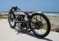 It's not every day you see a Yamaha boardtracker – especially one of this calibre. It wasn't long ago that this one of a kind XS650 created a lot of attention when featured onXS650Chopper.Bui...