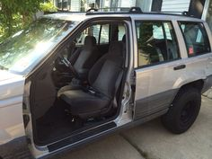 No doors on Ben's Jeep Grand Cherokee Laredo 1996!