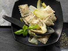 Ziegenfrischkäse-Ravioli mit Chicorée: Die Ravioli sind recht gehaltvoll und machen schnell satt.