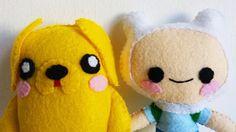 How to Make an Adventure Time Finn plushie tutorial Cute Crafts, Felt Crafts, Diy Crafts, Plushies, Diy Plushie, Softies, Geeks, Diy Teddy Bear, Softie Pattern