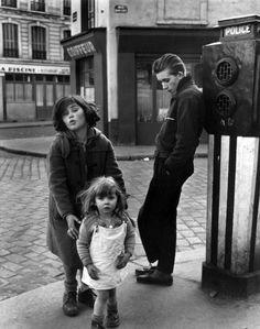 Robert Doisneau, Les Enfants de la Place Hébert, Paris 1957