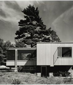 Chamberlain Cottage by Marcel Breuer, Weyland, Massachusetts, 1941. Gelatin silver print. Carnegie Museum of Art, Purchase: gift of the Drue Heinz Trust. Image courtesy of the Carnegie Museum of Art, copyright Ezra Stoller/Esto, Yossi Milo Gallery.