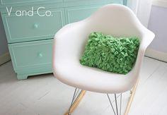minha cadeira preferida, com uma almofada fofa! amei!